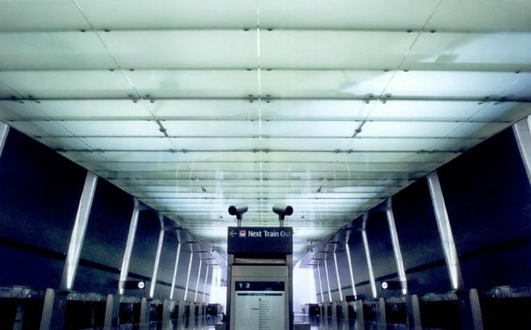 樟宜机场地铁站照明设计第8张图片