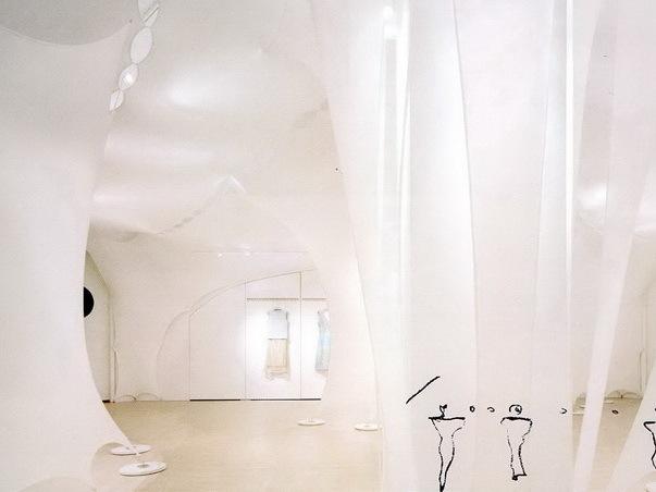 美国纽约Elie Tahari时尚展厅第1张图片
