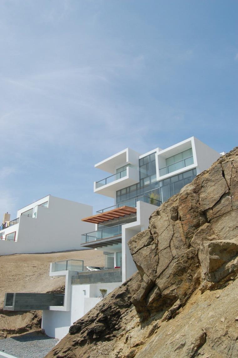 阿尔瓦雷茨住宅第3张图片
