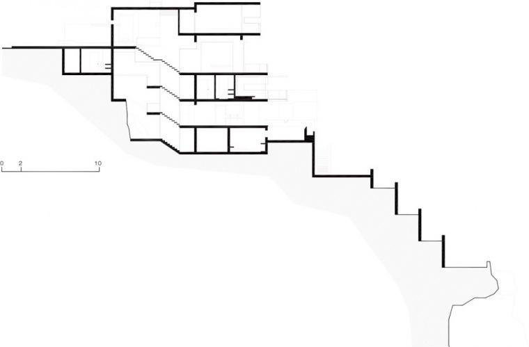 剖面图02 Section02-阿尔瓦雷茨住宅第22张图片