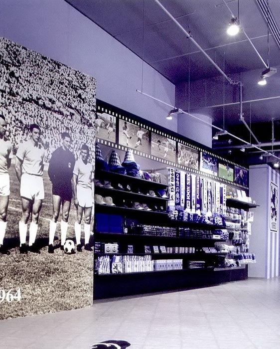 安联体育场的纪念品商店第3张图片