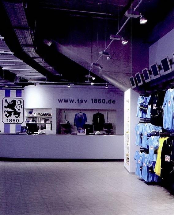 安联体育场的纪念品商店第4张图片