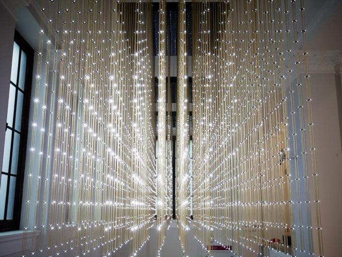 群蜂之舞互动灯光装置第1张图片
