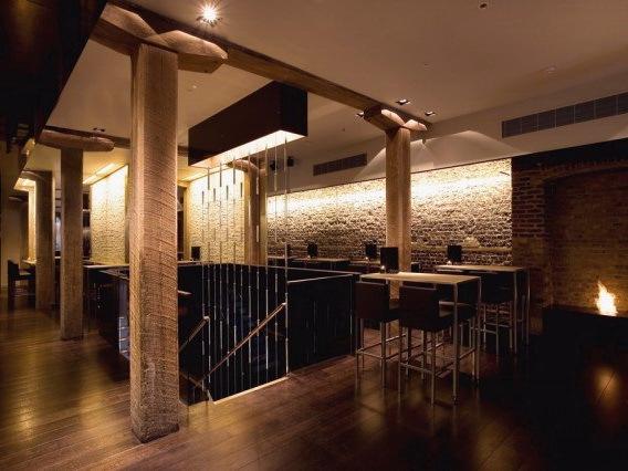 迪昂金丝雀码头酒吧 第1张图片