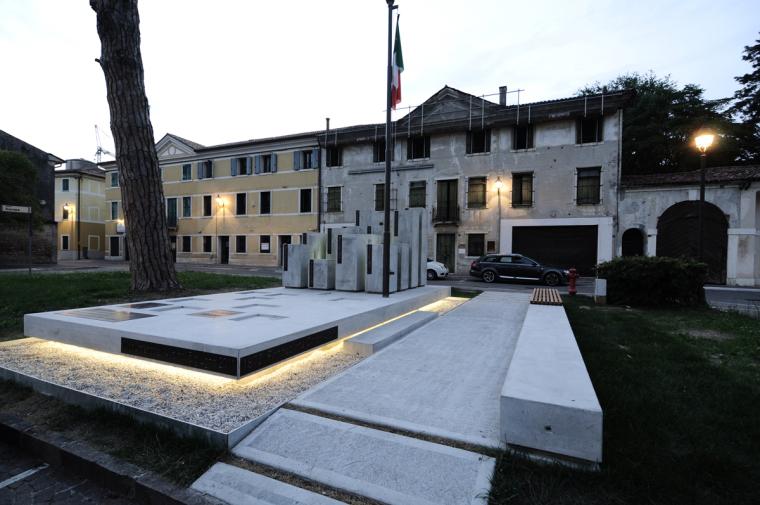 Alpini纪念碑第8张图片