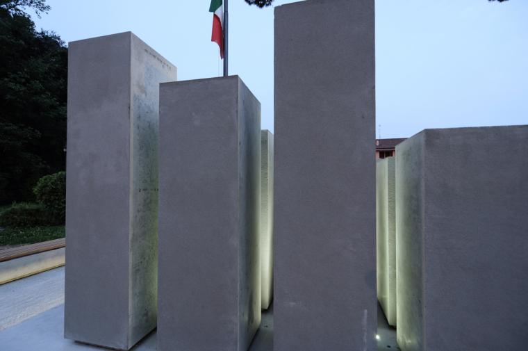 Alpini纪念碑第10张图片
