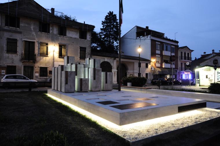 Alpini纪念碑第12张图片