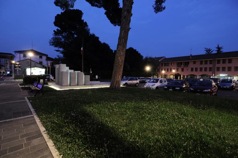 Alpini纪念碑第13张图片
