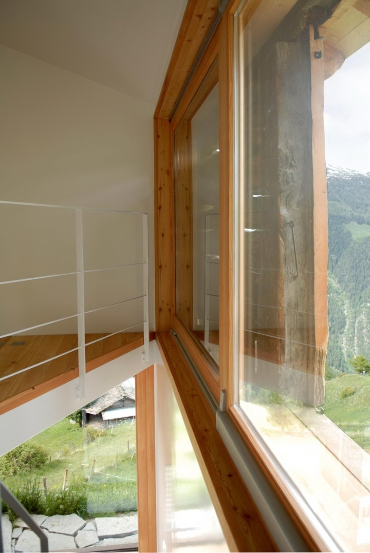 瑞士阿尔卑斯山住宅第6张图片