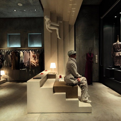 6-建筑设计工作室3Gatti设计的Alter Store 第7张图片