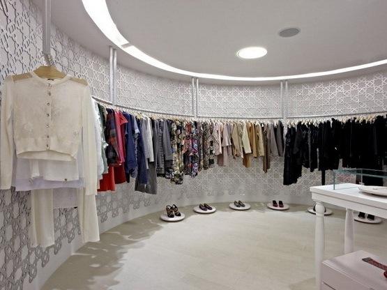 HI-LO品牌女装专卖店设计