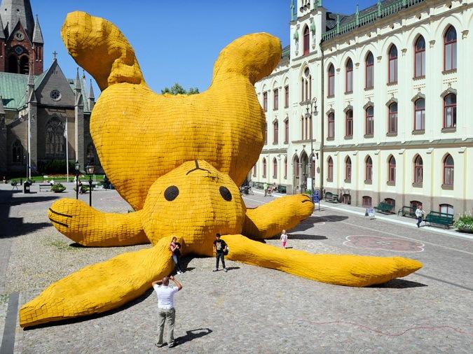 大型兔子雕塑