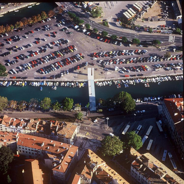 纪念桥第10张图片