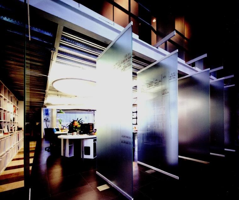 立和空间设计事务所办公室第7张图片