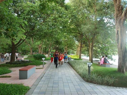 Rabindra Sarobar滨湖广场