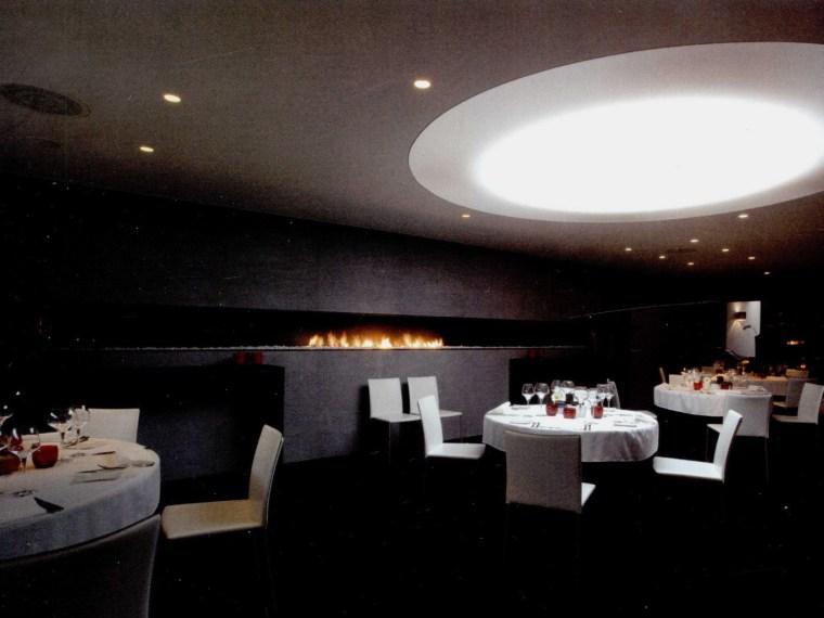 黑与白餐厅第1张图片