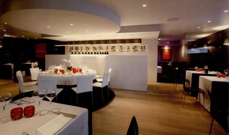 黑与白餐厅第4张图片