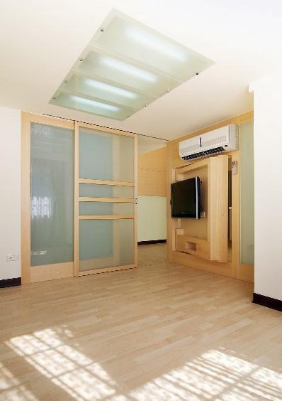 现代简约黄色住宅第11张图片