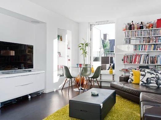带宽敞露台的单身公寓