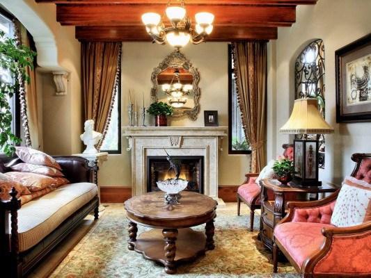 欧式古典的装饰风格资料下载-成都龙湖欧式古典别墅装修设计