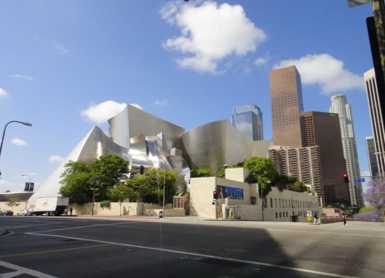 迪士尼音乐厅公共景观设计第2张图片