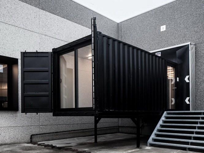 旧集装箱改造办公空间设计