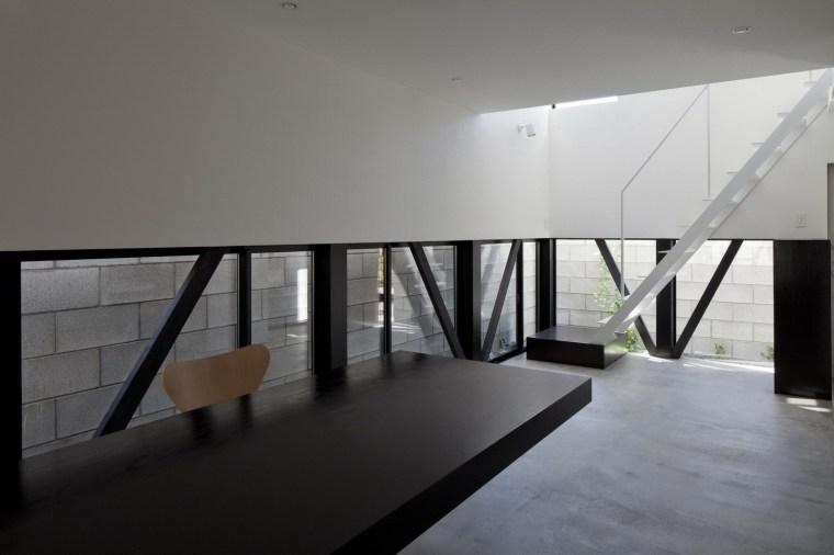 东京垂直小楼第9张图片