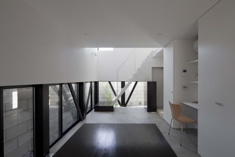 东京垂直小楼第10张图片
