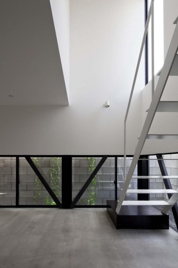 东京垂直小楼第11张图片