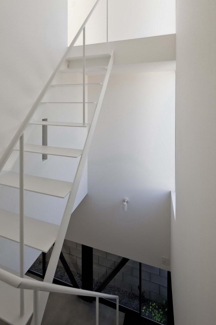 东京垂直小楼第16张图片