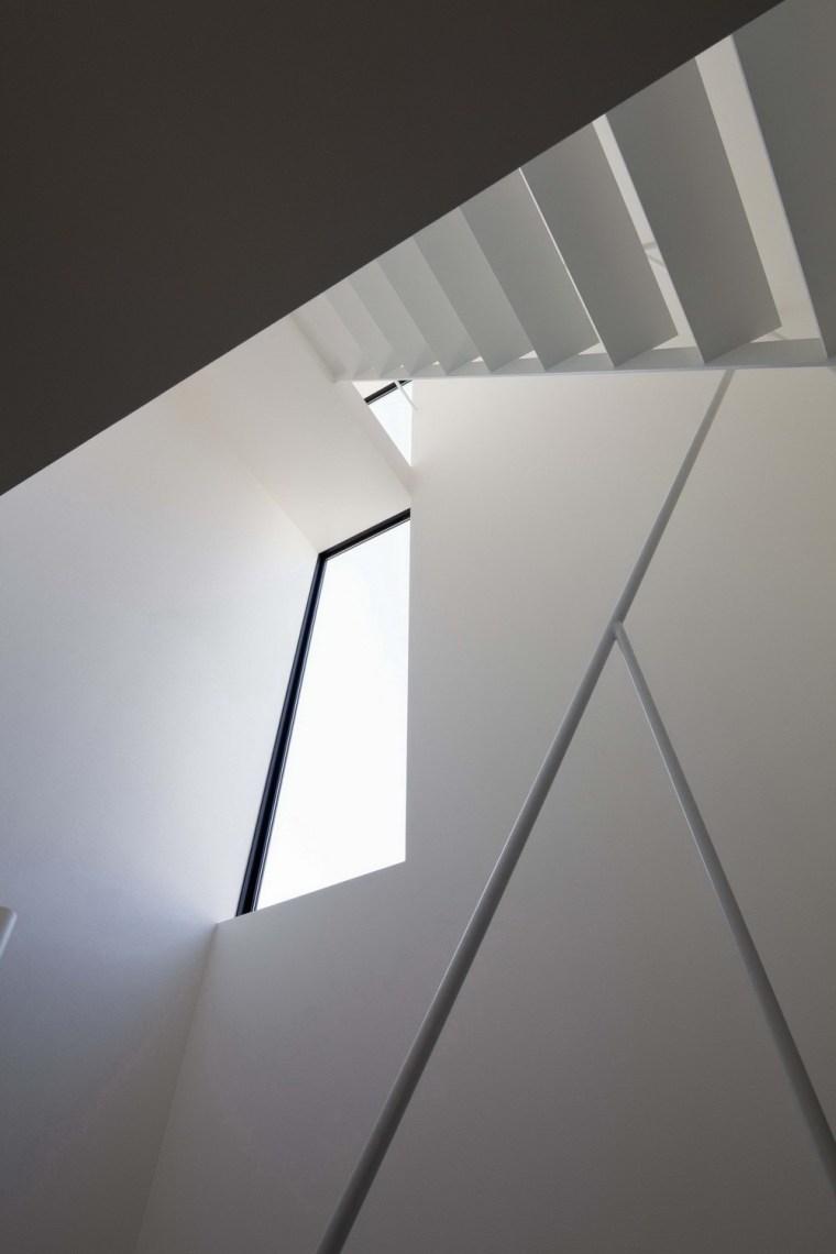 东京垂直小楼第18张图片