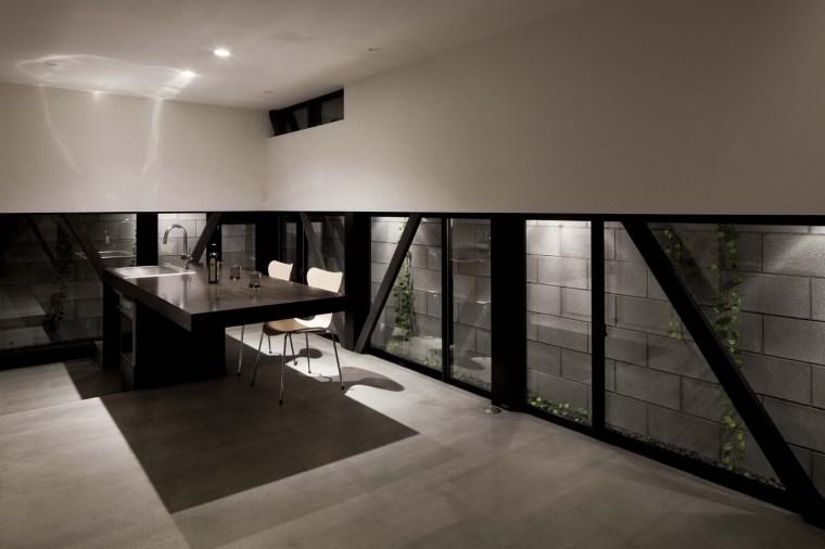 东京垂直小楼第24张图片