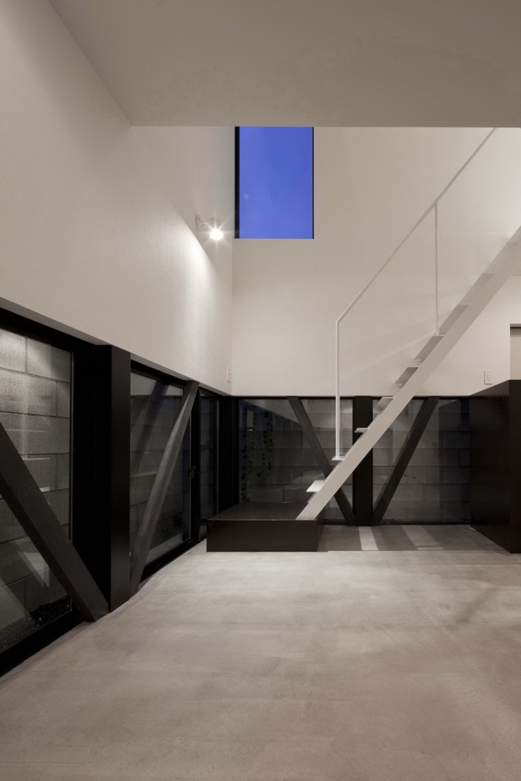 东京垂直小楼第26张图片