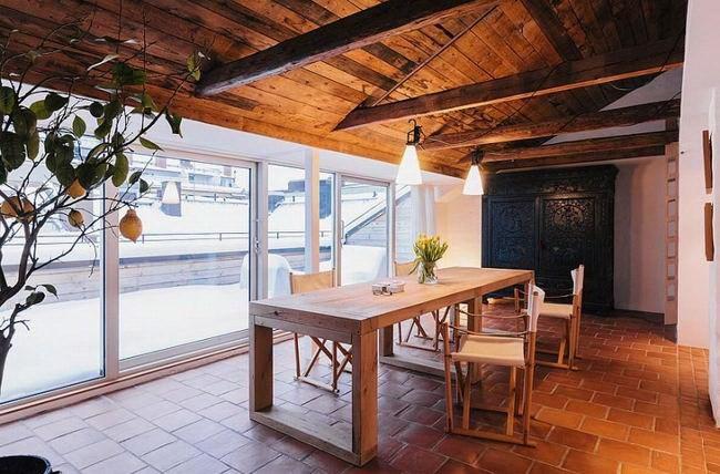 2-令人惊叹的复式公寓室内设计第3张图片