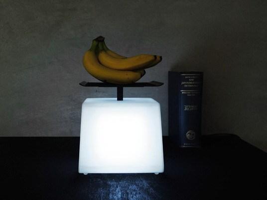 灯光有多重?称一下就知道第1张图片