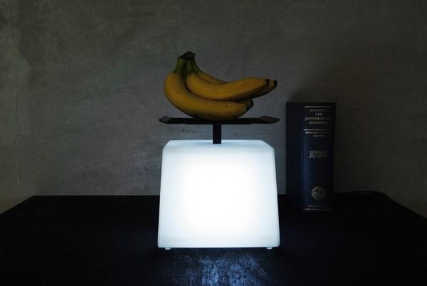 灯光有多重?称一下就知道第2张图片