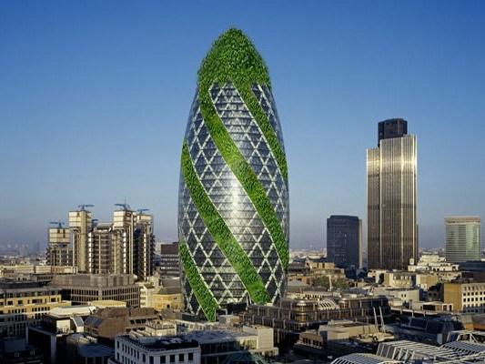 变绿的伦敦黄瓜塔第1张图片