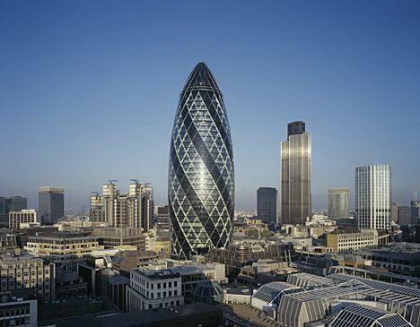 变绿的伦敦黄瓜塔第3张图片