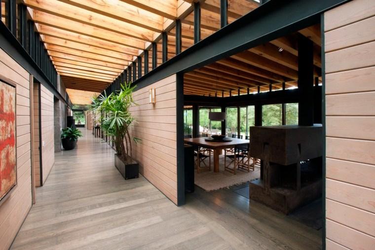 4-森林深处的木结构别墅第5张图片