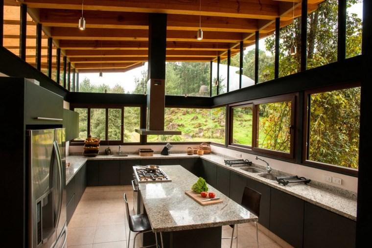 5-森林深处的木结构别墅第6张图片