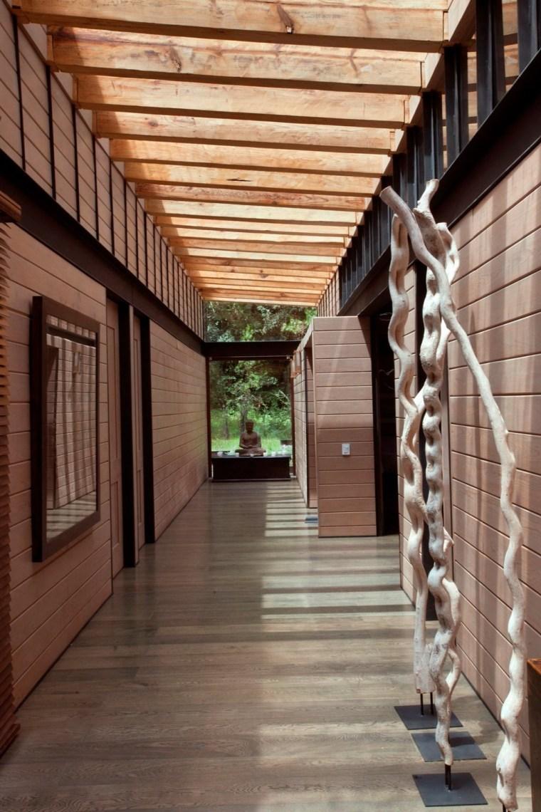 森林深处的木结构别墅第7张图片