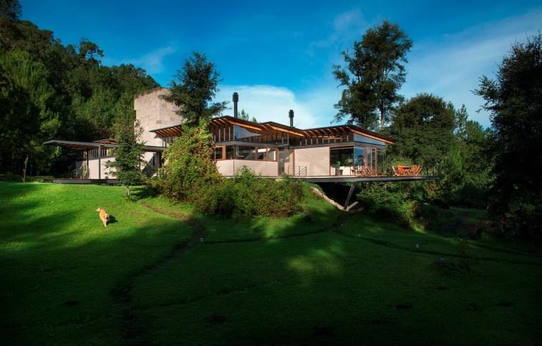 森林深处的木结构别墅第10张图片