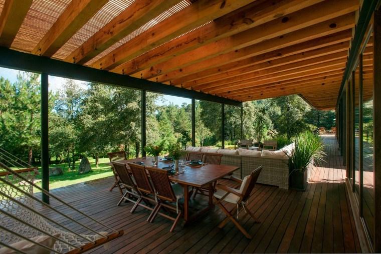 森林深处的木结构别墅第19张图片