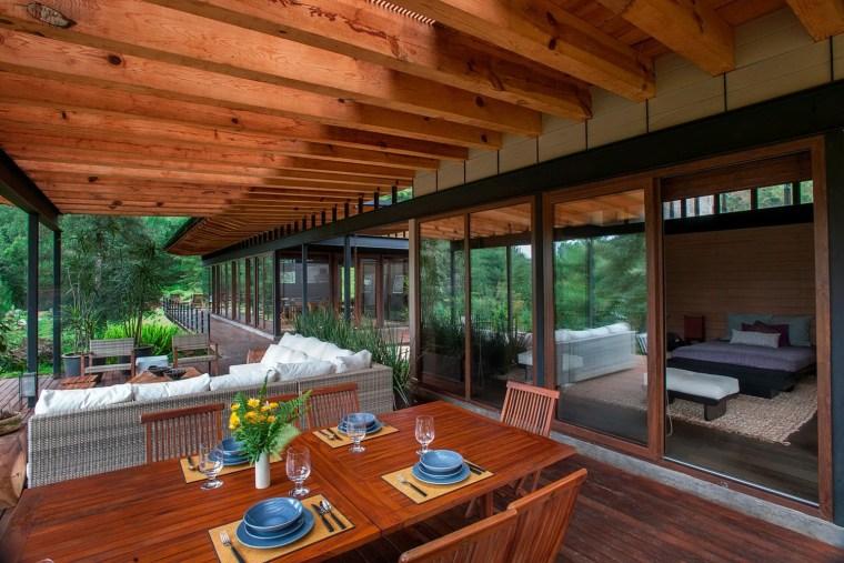 森林深处的木结构别墅第21张图片