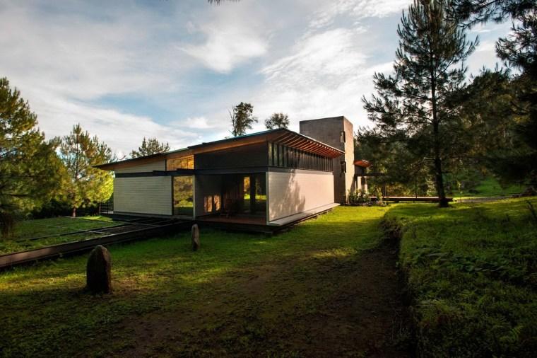 森林深处的木结构别墅第22张图片