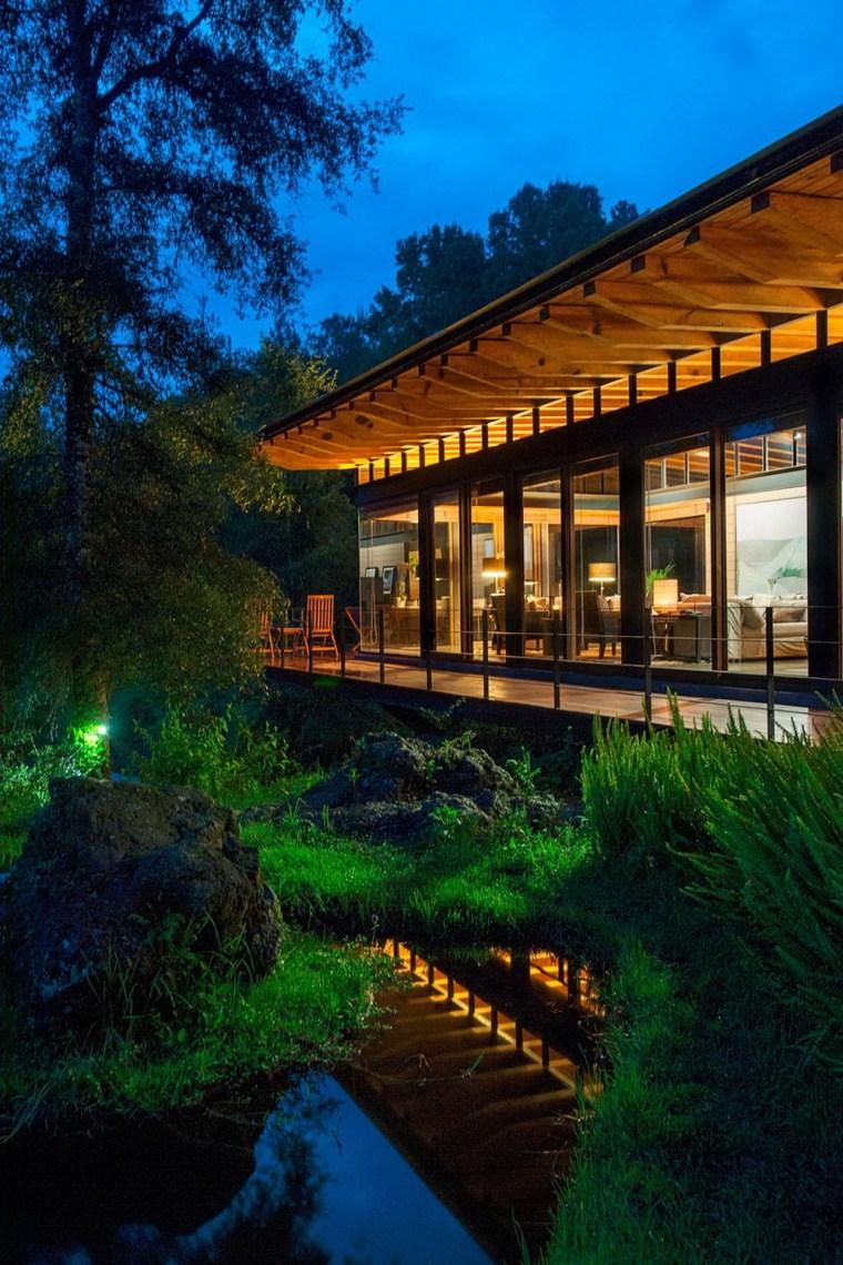 森林深处的木结构别墅第33张图片