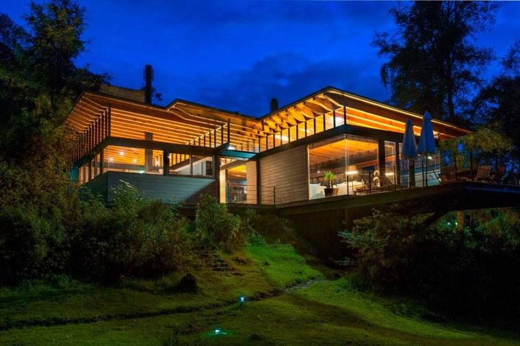 森林深处的木结构别墅第34张图片