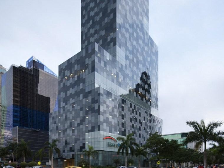 巴拿马银行大厦–由四小办公楼组成的大楼第1张图片