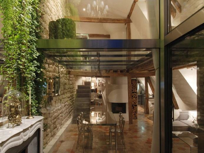 透明的阁楼式住宅