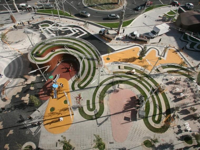 西班牙里卡德藤迷宫广场